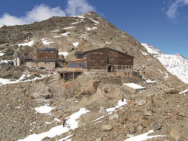 Hikingtour to Peak Similaun 3606 m