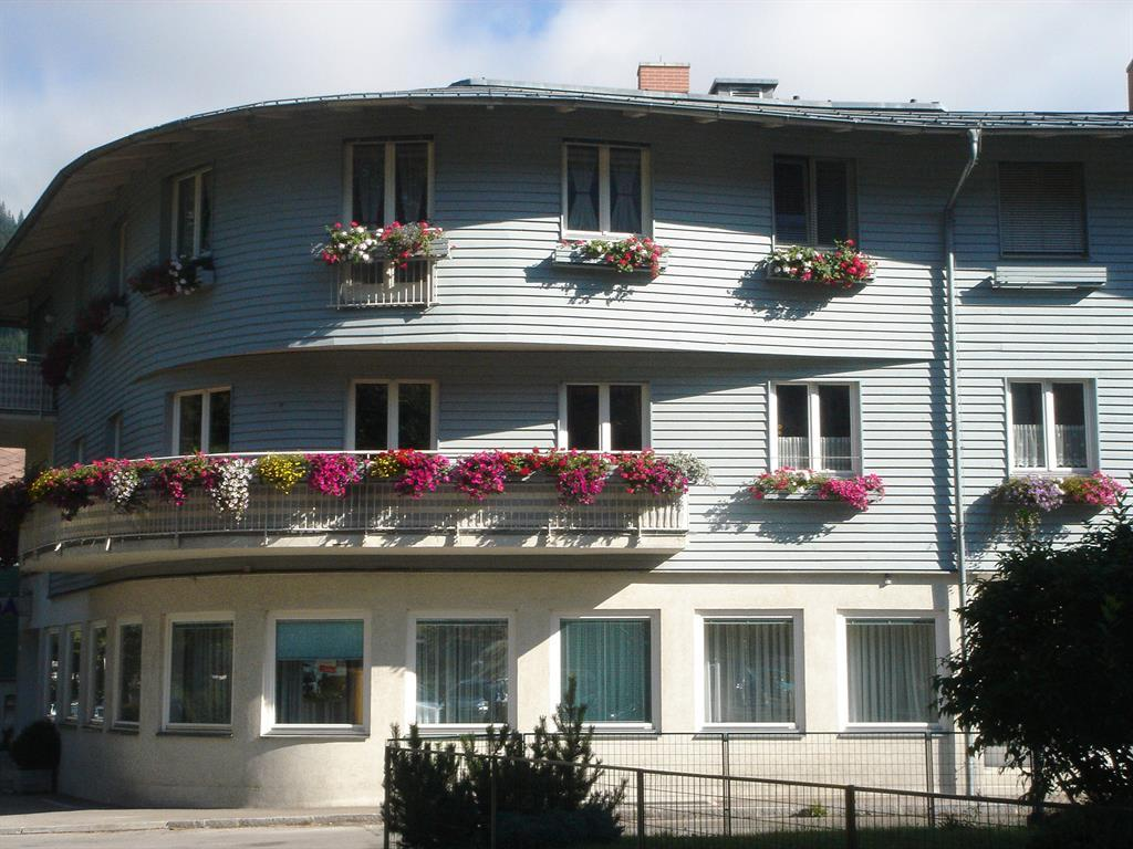 FERIENWOHNUNGEN DACHSTEINGASSE Dachsteingasse Top 15